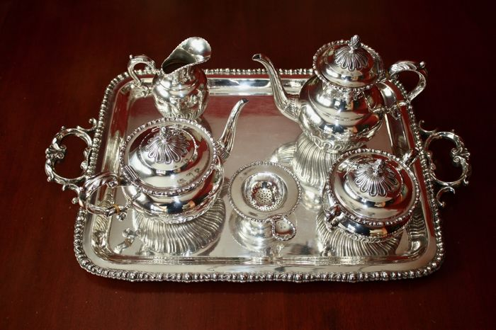 Tea/coffee service in silver, Spain, second half of the 20th century