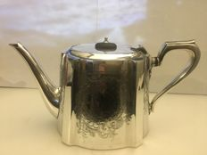Victorian Silver plate engraved tea pot . England second half of 18th century