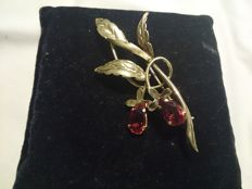 Golden brooch (18 kt) with two quartz stones, dimensions: 6 x 3 cm