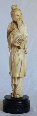 Immortal in ivory (23 cm) - signed - China - circa 1920-1940