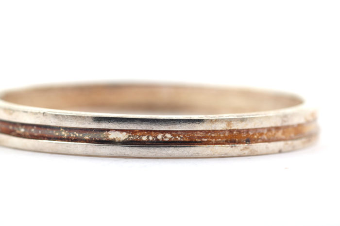 Silver bangle, 925, solid with safety clasp.