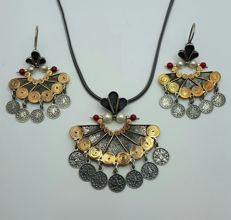 Oriantalist Necklace & Earring Set, Chain:45cm, Pendant:5cm, Earring:3.5cm, Total Weight 38.50g.