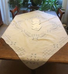 Antique white cotton hand made with open work ad embroidery tea table cloth +5 napkins