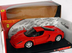 Hot Wheels - Scale 1/18 - Ferrari Enzo - Red