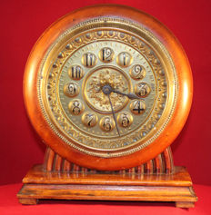 Remarkable & large alarm clock - unknown maker - approx. 1920