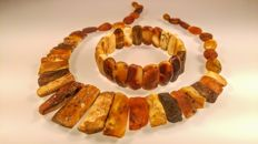 Vintage set of Baltic Amber necklace and bracelet, 52 grams