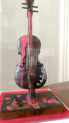 Violino Bruciato model (burned violin) and painting by B Aubertin, 1994