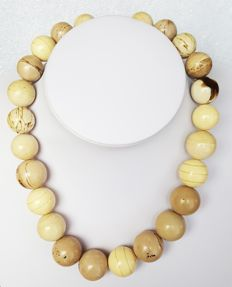 Natural white beige Amber necklace with graduated round beads, 77 grams