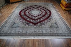China Hereke silk approx. 350 x 250 cm