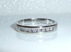 14 kt / 585 white gold ring by 'Christ' with approx. 0.25 ct diamonds RS 56-57 / 17.8-18.1 mm - adjustable