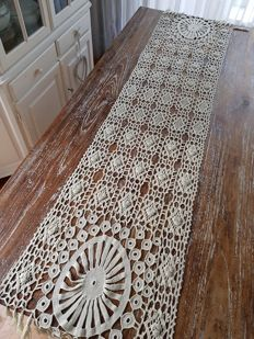 Antique crocheted table-runner 250 x 50. No reserve price. Reasonable shipping costs.