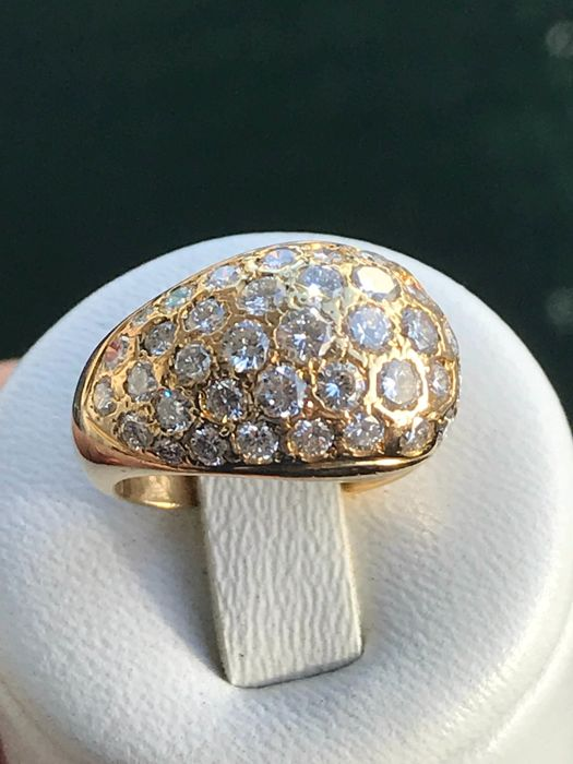 Bangle ring in 18 kt yellow gold and 1.59 ct of Top Wesselton diamonds