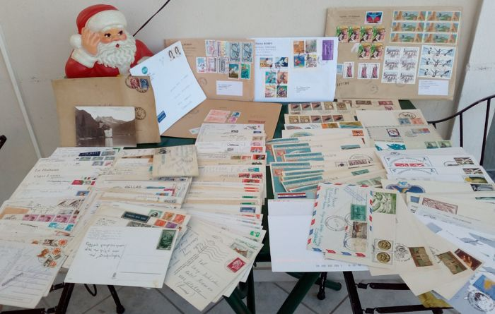 World, Post cards with stamps, F.D.C.'s & Folders 1952-96 from 40 countries
