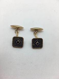 18 kt yellow gold cufflinks with natural sapphires and blue enamel, from the 1920s