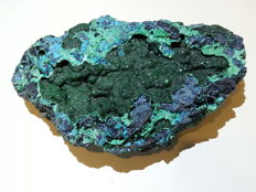 Beautiful piece of Malachite with Chrysocolla crystals - 19 x 11.5 x 4 cm - 705 g