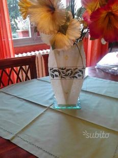 Bar / tea placemat or centrepiece + set of doilies