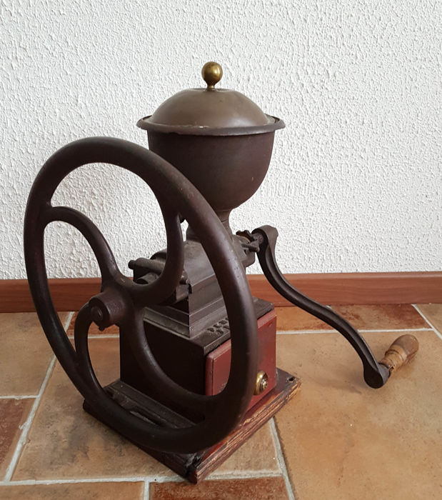 Large cast iron coffee grinder with wheel - shop model brand Peugeot Freres Brevetes, France, first half 20th century