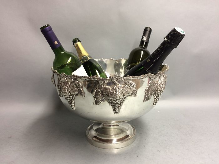 Very large silver plated champagne or wine cooler for 12 bottles, in Art Deco style - decorated with grapes