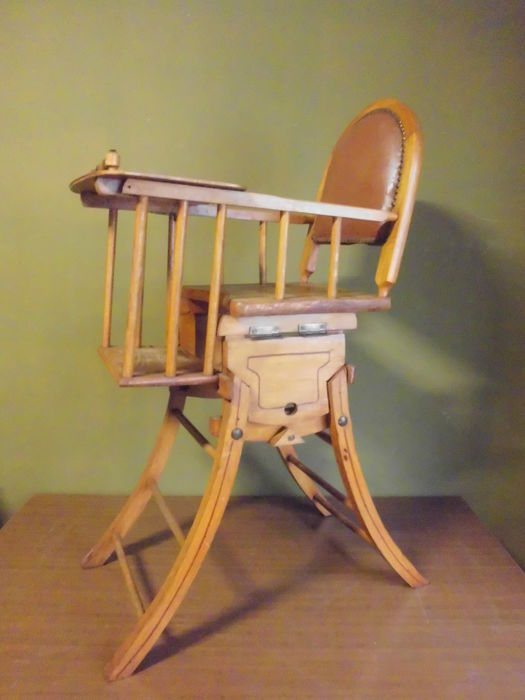Gorgeous antique high chair / rocking chair - Gorgeous Antique High Chair / Rocking Chair - Catawiki