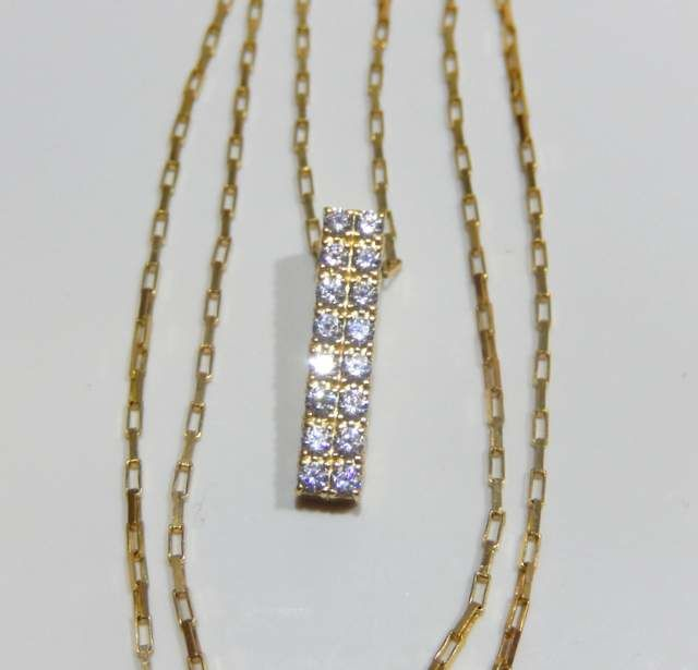 Rectangular link chain, signed pendant on 18 kt yellow gold **NO RESERVE**