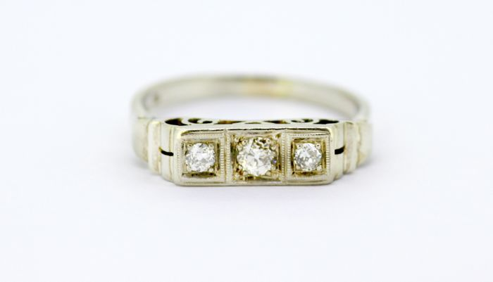 14K White Gold Ring With Old Cut Diamonds, 1930's