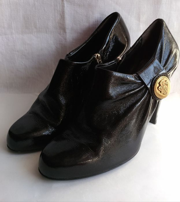 d8db827200f Gucci Hysteria ankle boots - Catawiki