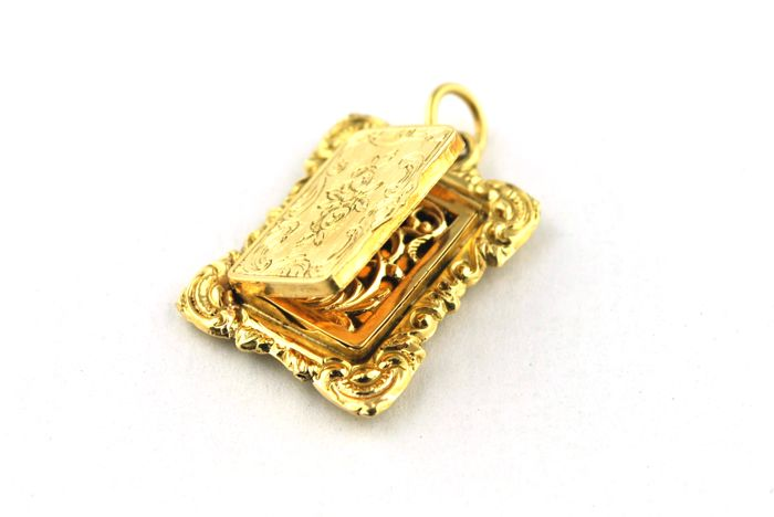 "Exclusive Antique French 19th Century ""Snuff""/Picture frame/Pill box Pendant made of intricately engraved 18k Yellow Gold"