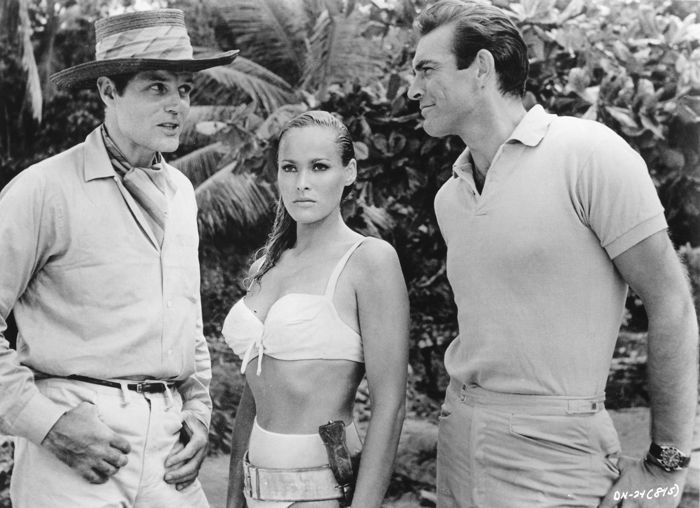 unknown hollywood press photo sean connery ursula andress and
