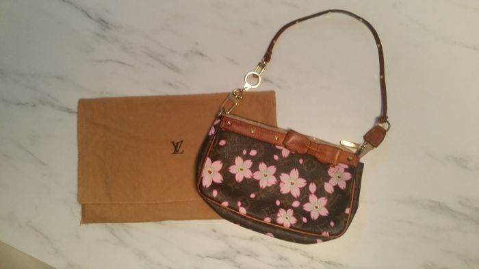 6417c9304 Louis Vuitton - Cherry Blossom Takashi Murakami pochette Shoulder bag -  Vintage