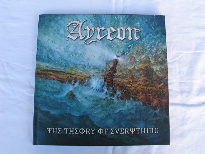 Ayreon : Limited edition de luxe artbook inclusief 4 CD's and 1 DVD.