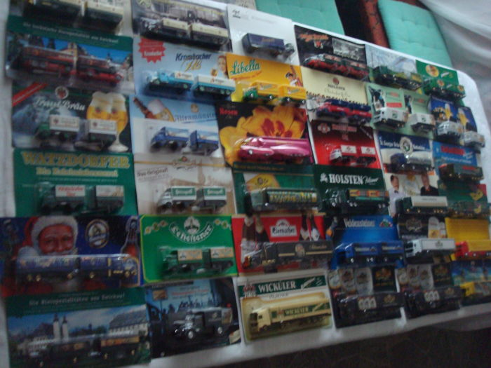 A variety of brands - brewery trucks, advertising trucks, many classic trucks and rarities, in original packaging, 78 pieces