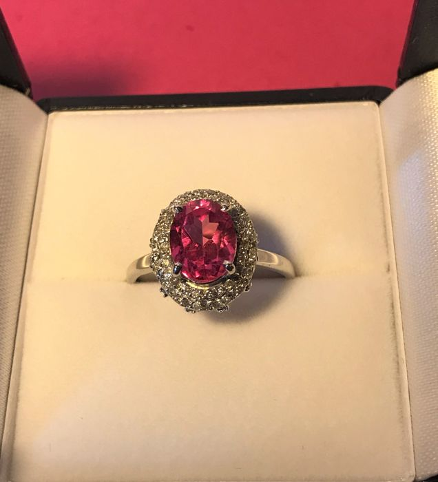 White Gold Ring set with 117 Diamonds total: 0.40 ct/ Natural Pink Tourmaline: 1.10 ct
