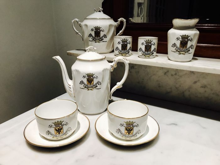 Limoges - rare tea service Antique Guild Sint Sebastian Renaix gold leaf