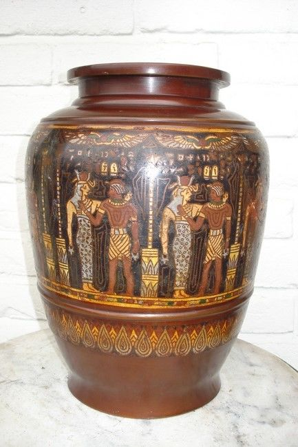 Cloisonné vase with unusual Egyptian depiction - Japan - approx. 1920-1930