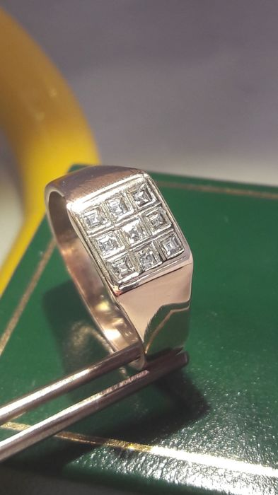 Vintage men's ring set whit 0,72 ct total princess cut Diamonds