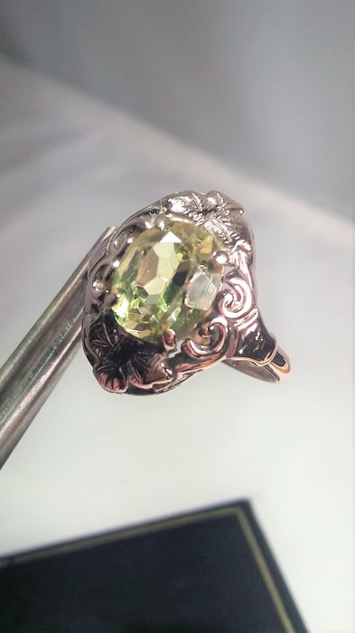 unheated natural oval p sapphire vvs green stunning light