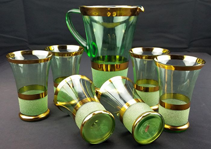 Art Deco crystal set - Carafe + 6 glasses with gold bands