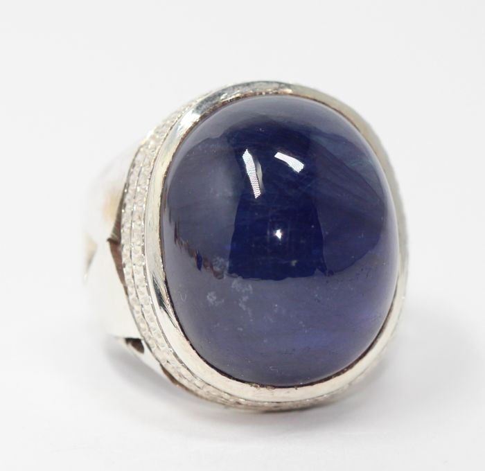 Silver men's ring, 925, set with a blue sapphire of 30 ct, size 62