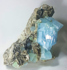 Top Quality Light Blue Aquamarine Cluster with Green Fluorite - 205 x 105 x 122mm - 2400 gm