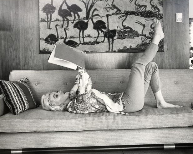George Barris - Marilyn Monroe at home, New York, 1962