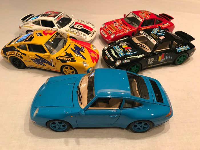 Bburago - Scale 1/18 - lot with 5x Porsche 911 Carrera