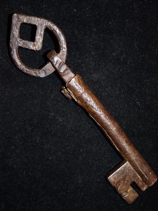 Large antique key - The Netherlands - +/- 15th Century.