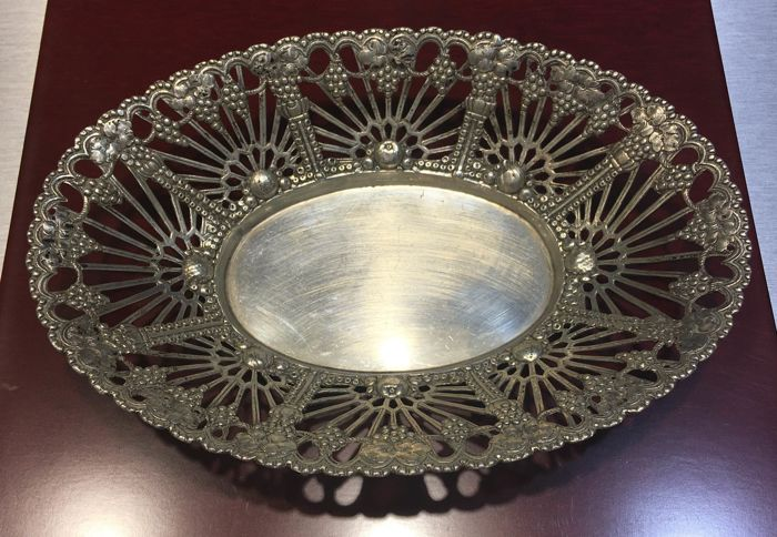 Large oval silver plate, Germany