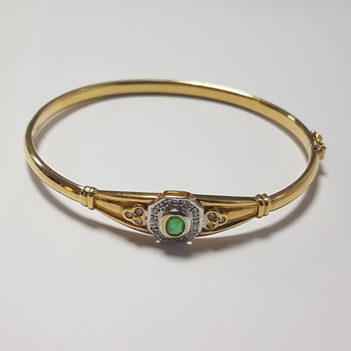 18 kt gold bracelet, emeralds and diamonds, 9.14 g