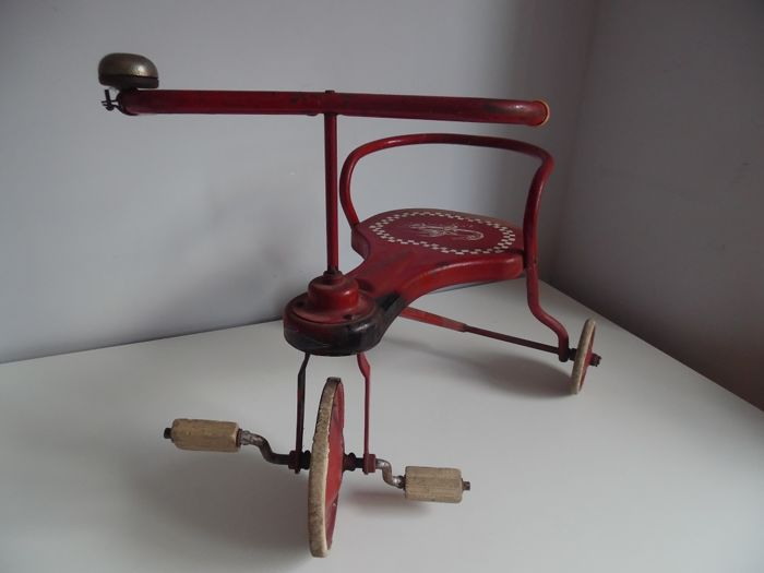 Vintage metal tricycle Souplex Belgium 1940s