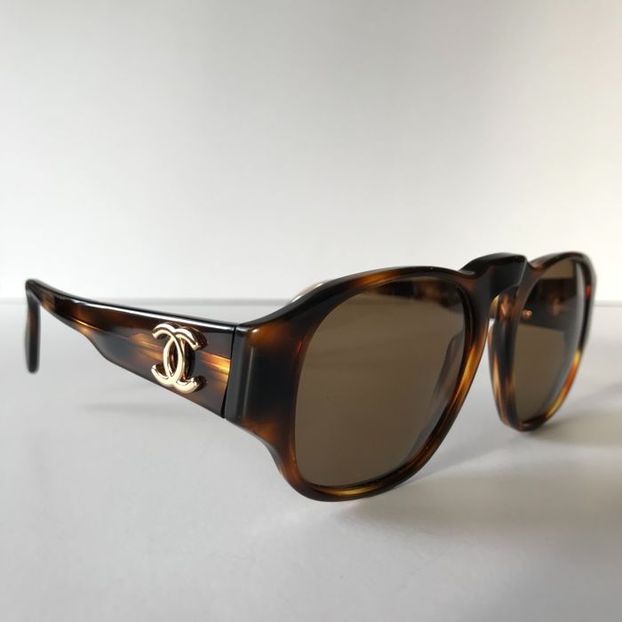Chanel - Vintage sunglasses - Made in Italy - Catawiki f36df72747