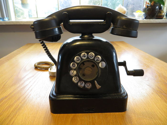 Old (probably) Danish telephone, first half of the 20th century
