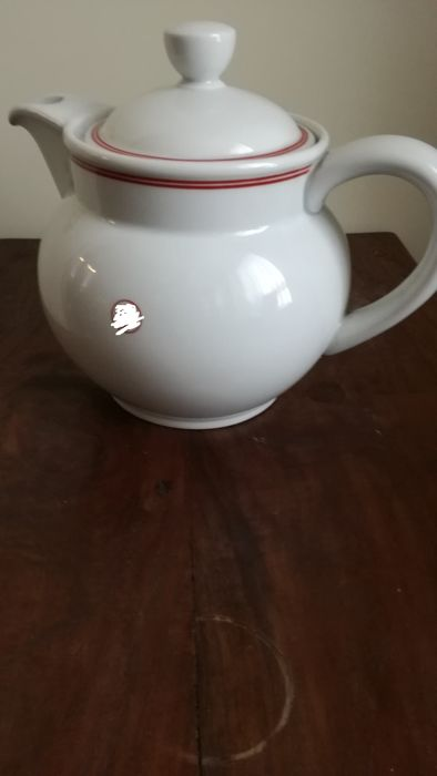Hutschenreuther-Teapot NS Volkswohlfahrt stamped with swastika, Germany