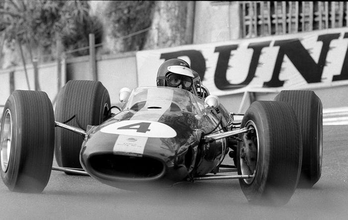 fotograaf - 1966 Jim Clark at the monaco grand prix team Lotus - Lotus - Na 2000