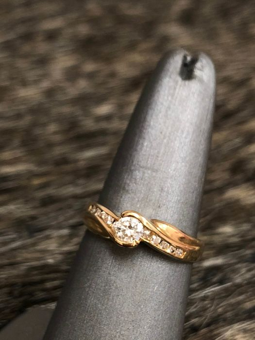 14kt yellow gold solitaire ring 0.32ct - Size: 6.5